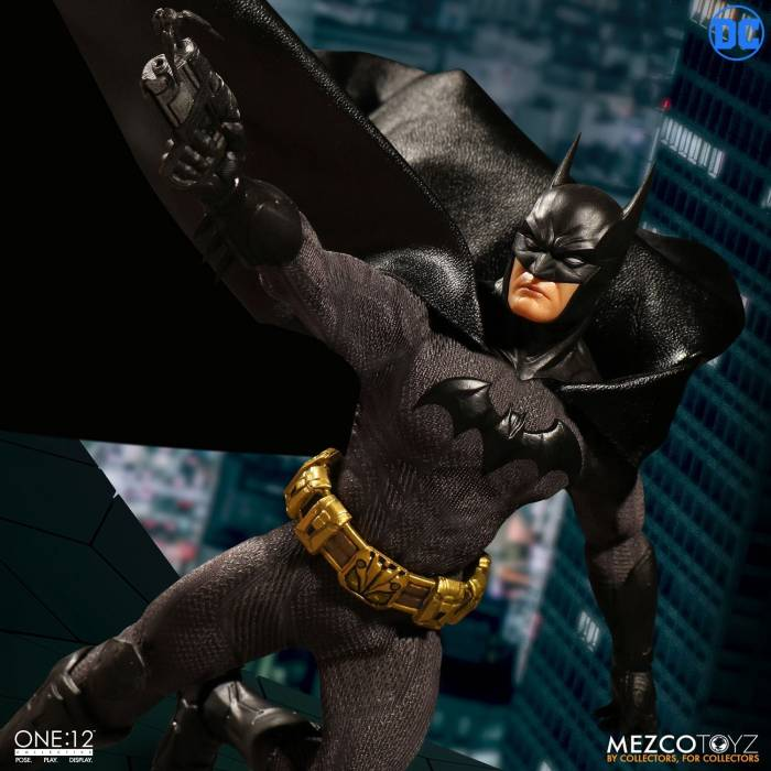 Hollytoon Mezco Toyz Φιγούρα One:12 Sovereign Knight Batman 17cm (DC)